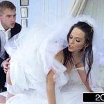 Noiva deixando seu amigo meter dentro dela