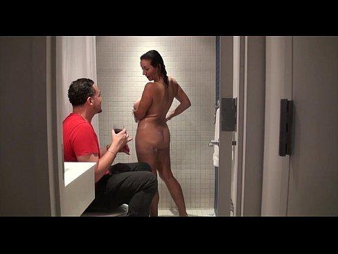 Vídeo de incesto real com cunhada gostosa no banho