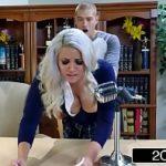 Assistir vídeo pornô da loira gordinha dando a buceta