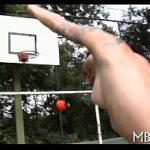 Morena puta faz chupeta pra treinador de basquete