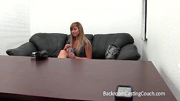 Puremature transando durante entrevista de emprego