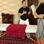 Rampeiras de escritorio em massagem erotica