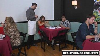 Vedeos de sexo gostoso com vadia do restaurante